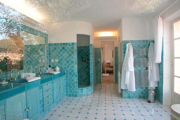 Bathroom at Villa ACV GLA (Glamour) at France, St. Tropez & The Var, Family-Friendly Villa, Pool, 8 Bedrooms, 8 Bathrooms, WiFi, WIMCO Villas