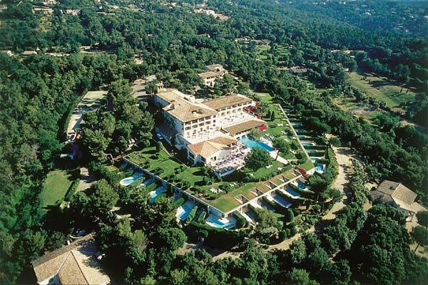 WIMCO Villas, Cote d'Azur Luxury Hotel, Le Mas d'Artigny, Book a Hotel room now with WIMCO Villas.