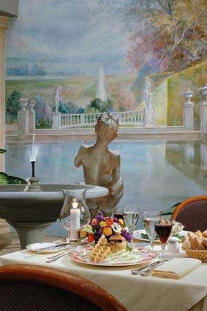 WIMCO Villas, Hotel Cerretani Firenze, Firenze, Dining Room, Book now with WIMCO Villas