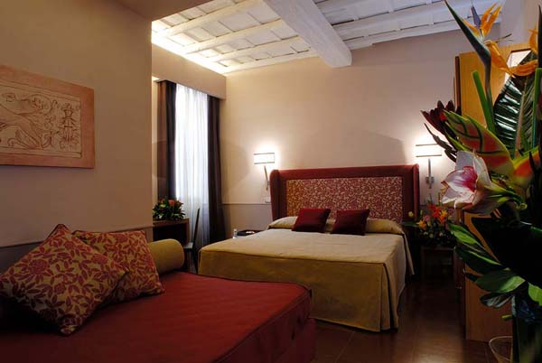 WIMCO Villas, Rome Luxury Hotel, Hotel Condotti, Book a Hotel room now with WIMCO Villas.