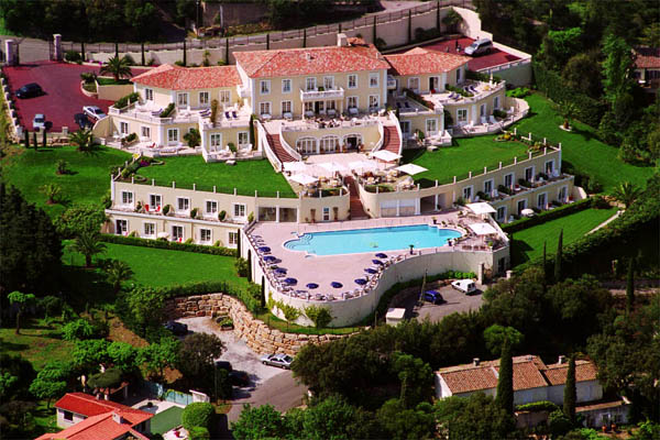 WIMCO Villas, St. Tropez Luxury Hotel, Hotel Villa Belrose, Book a Hotel room now with WIMCO Villas.