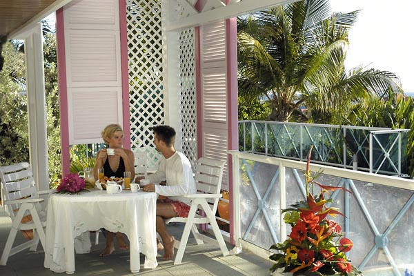 WIMCO Villas, Green Cay Villas, St. Martin, Dining Room, Book now with WIMCO Villas